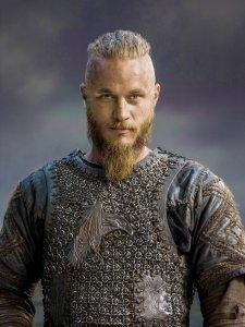 Vikings-Season-2-Ragnar-Lothbrok-official-picture-vikings-tv-series-37686623-2953-3941
